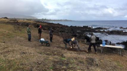 """Imagen de Con """"Umu Hatu"""",  partieron obras para proteger el  complejo ceremonial Tahai en Rapa Nui"""